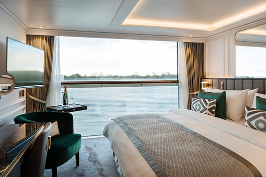 S5     Petite Suite with Panoramic Balcony-Window